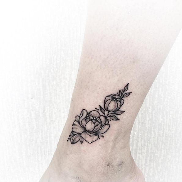 Esta linda tornozelo tat