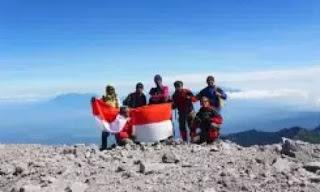 ciri ciri positif dan negatif dari sistem ekonomi nasional indonesia
