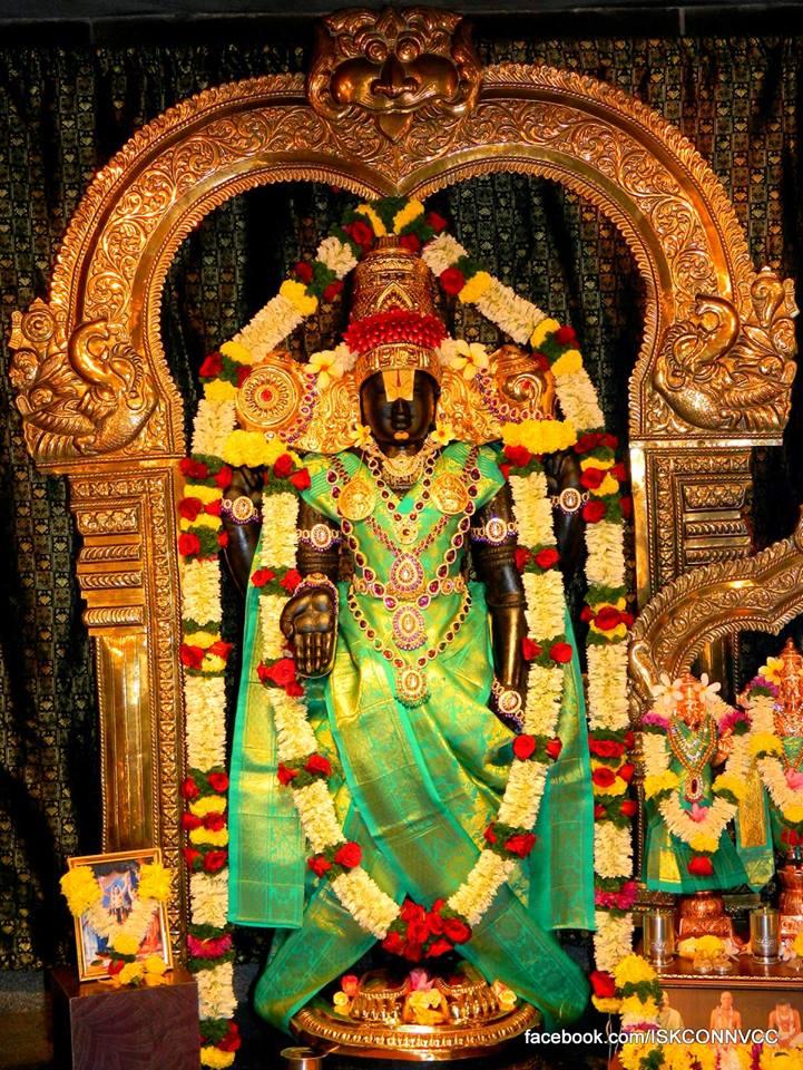 ISKCON Pune NVCC Deity Darshan 19 Dec 2015 (3)