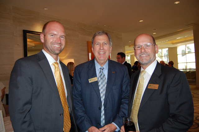 Dilman Thomas (center), Chairman Emereti and Steven Pontius (right), Hall of Fame Laureate, Lee 2007