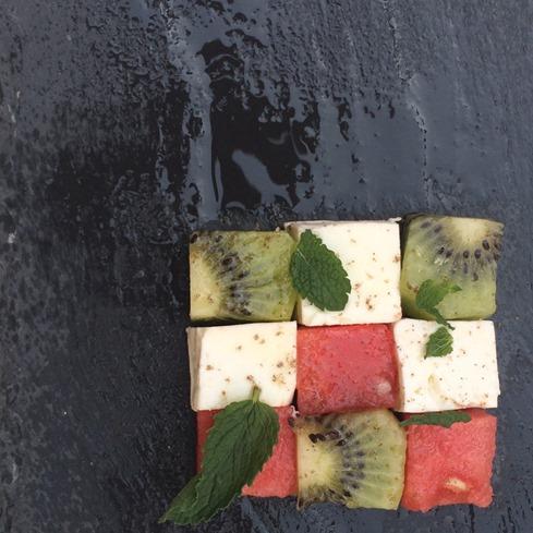 mosaico frutta e feta alto