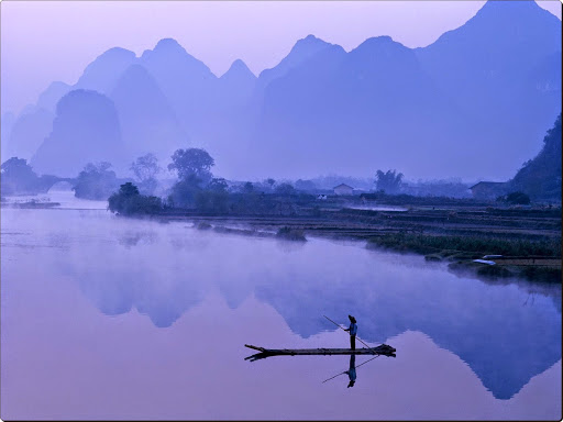 Li River at Dawn, Guilin, Yangshou, China.jpg