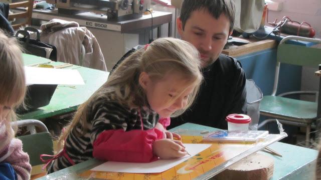 Подготовка до конкурсу дитячого малюнку «Світ без насильства очима дітей» - 30 ноября 2012г. - IMG_2990.JPG