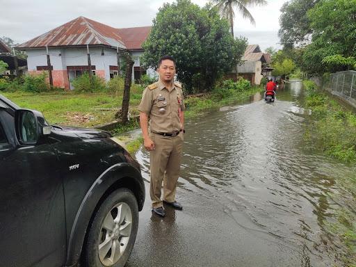 Pantau Banjir di Wilayahnya, Ini Himbauan Camat Tanete Riattang ke Lurah dan Warganya