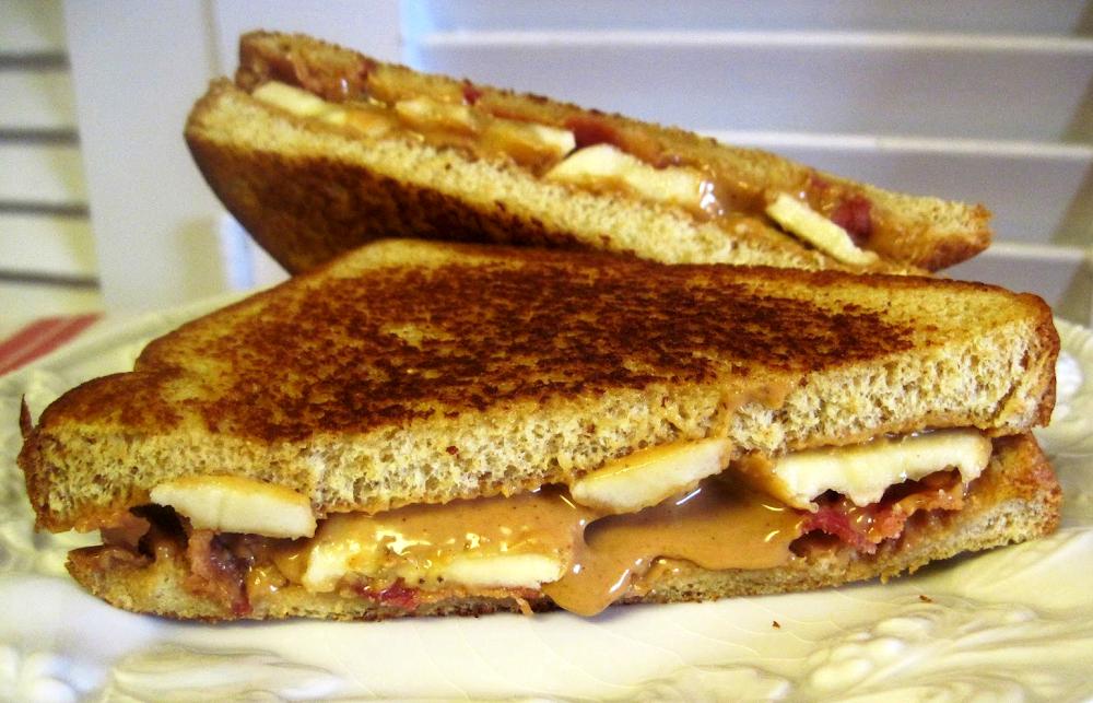 Hinh anh: Mot chiec banh Sandwich Elvis ngon mieng