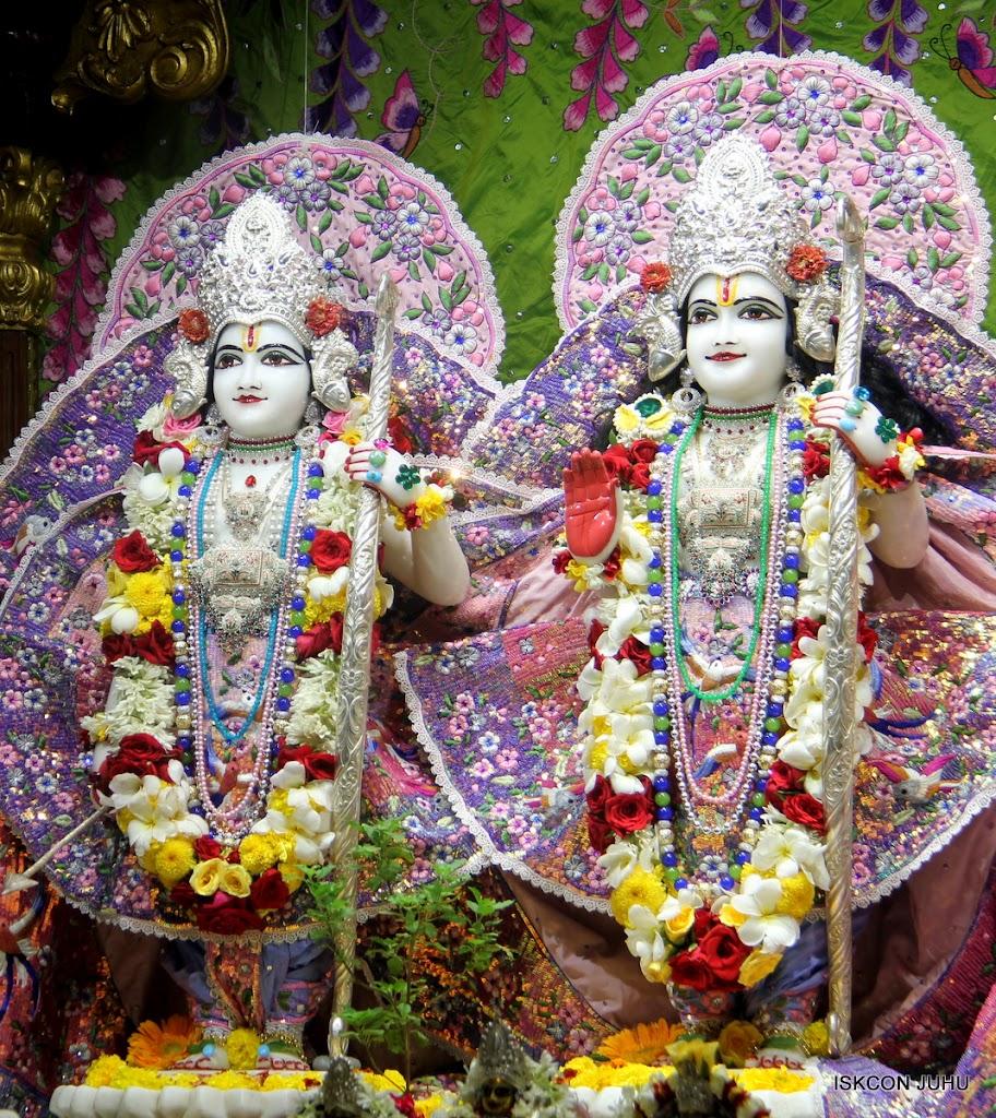 ISKCON Juhu Sringar Deity Darshan on 30th June 2016 (26)