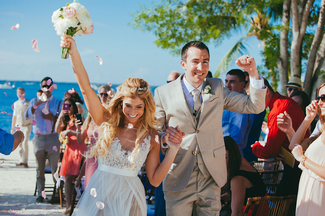 Best Florida destination wedding location for your beach weddings | Florida Wedding packages | Key Largo Lighthouse Beach Weddings venue.