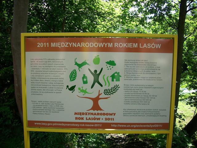 Taką tablicę można zobaczyć w oliwskim zoo