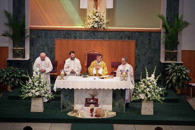 OLOS Children 1st Communion 2009 - IMG_3058.JPG