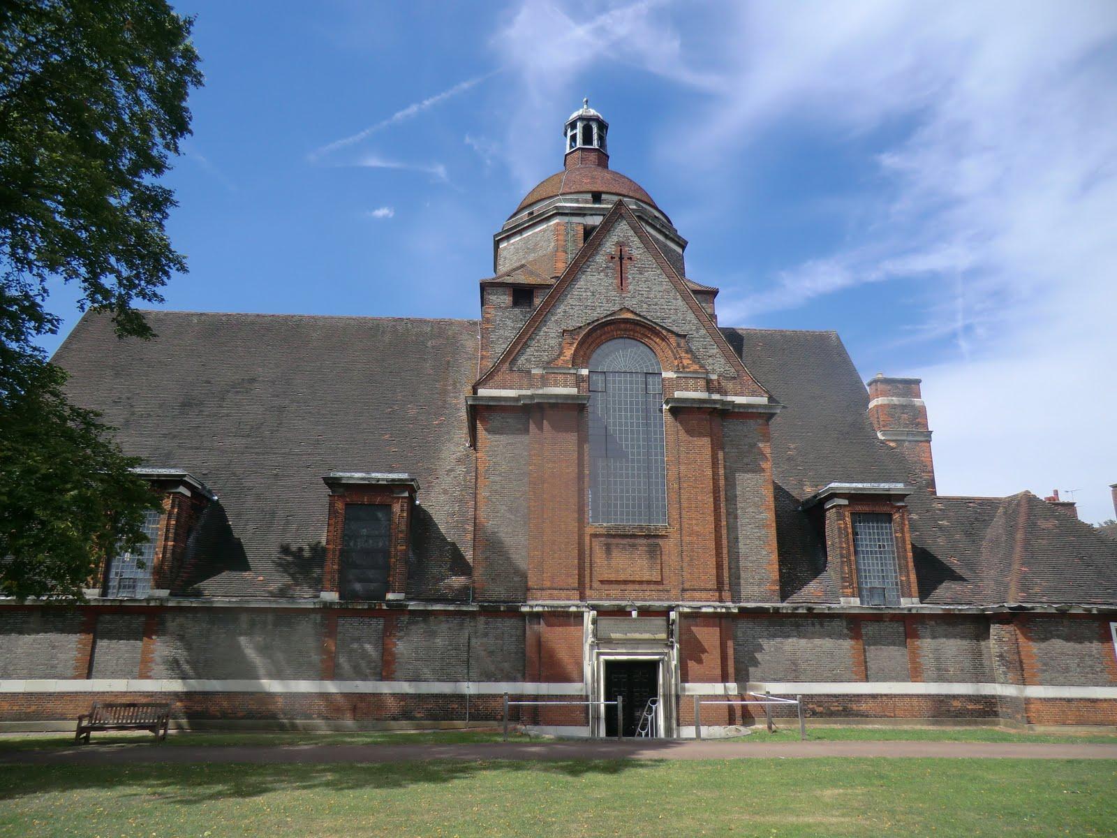 CIMG9570 Free Church, Hampstead Garden Suburb