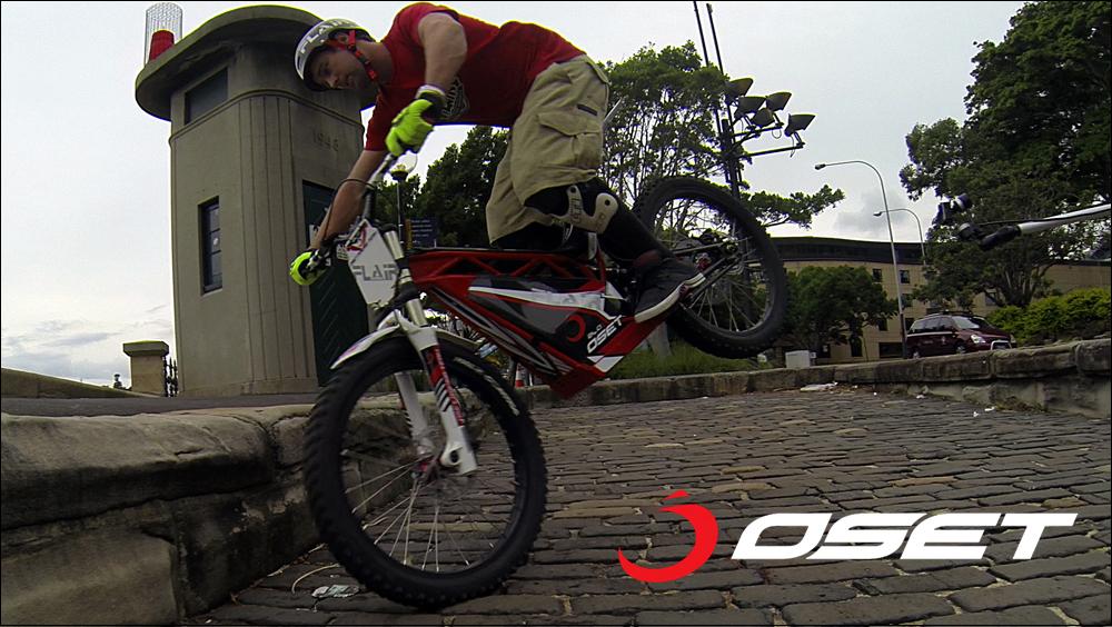 OSET_jack_field_sydney_loc_04_promenade_stunts_17.jpg