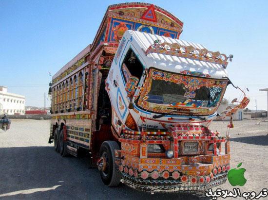 شاحنات باكستانية مزخرفة 5.jpg