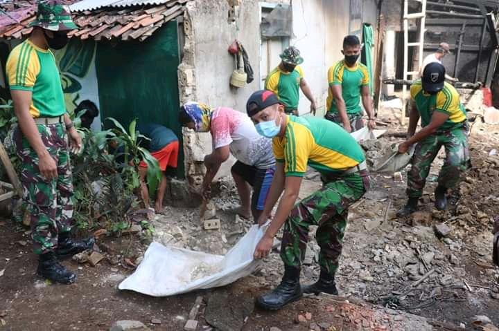 HUT Ke 75 TNI, Yon Armed Melaksanakan 13 Rehab dan 3 Rutilahu