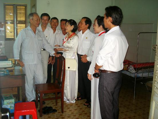 Ban chấp hành GĐPTTT Phú Hoà thăm quý cha hưu