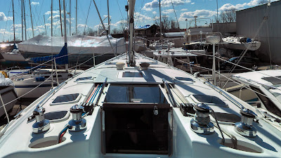 Hunter 386- Exterior Looking Forward