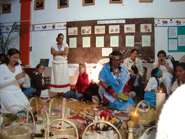 Ceremonias de Abundancia 2010 y 2011 - 166477_131464290249899_100001589874963_211409_3094559_n%255B1%255D.jpg