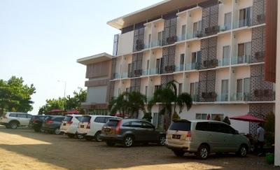 hotel rengganis pasir putih situbondo