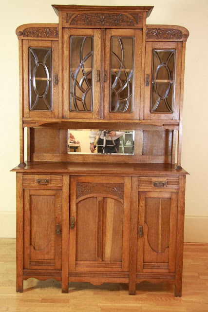 Belgian oak Art Nouveau display sideboard