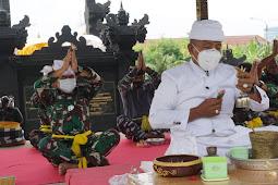 Pangkoarmada II ikuti perayaan Hari Raya Siwaratri Tahun 2021 di Pura Jala Wira Dharma