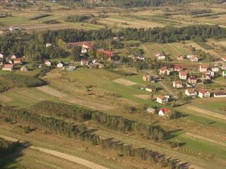 Z inicjatyw pana wice starosty Stanisława Pacury zdjęcia wykonał z motolotni pan Zbigniew Dąbrówka. (początek października 2008 roku)