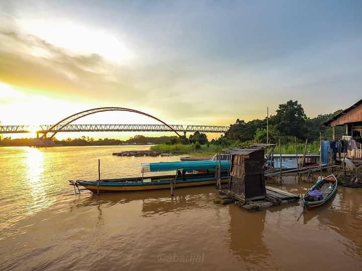 sungai dan jembatan kahayan