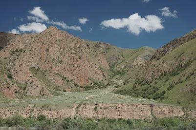 Im Kara Keche Tal auf über 2000m Höhe