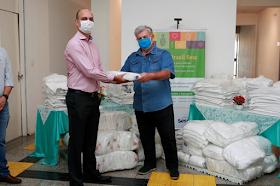 Prefeitura recebe doação de roupas de cama e banho hospitalares