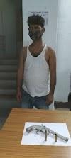 अलीगंज : देशी कट्ठा व कारतूस के साथ युवक गिरफ़्तार, रंगदारी मांगने का भी है आरोप