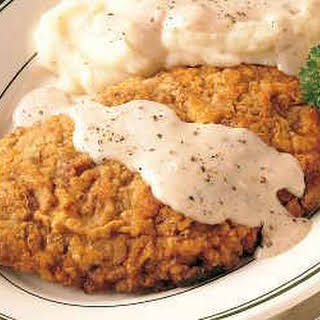 Slow Cooker Ckn.Fried Steak w/Mashed Potatoes & Cream Gravy.
