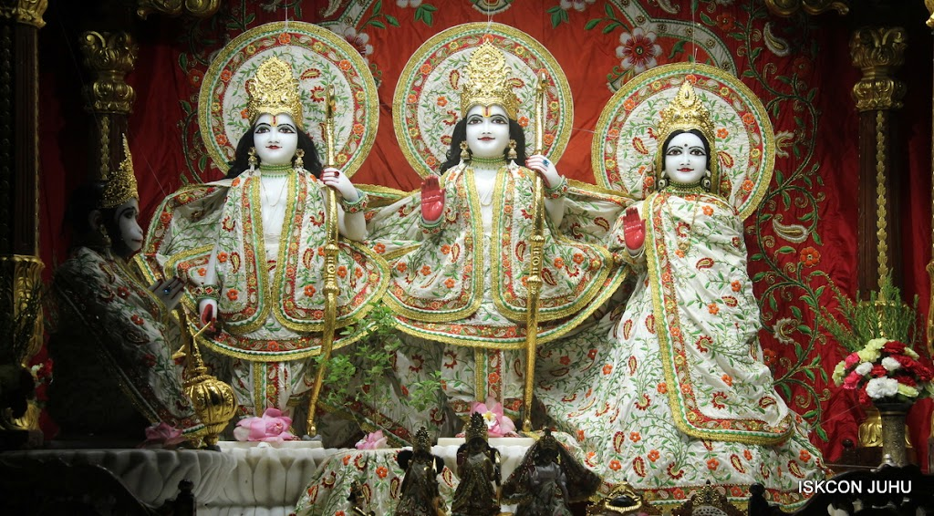 ISKCON Juhu Mangal Deity Darshan on 28th June 2016 (6)