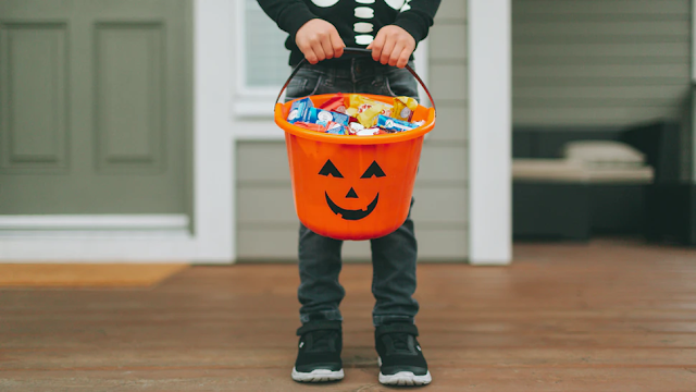 'The Responsible Approach': City In California Bans Trick-Or-Treating On Halloween