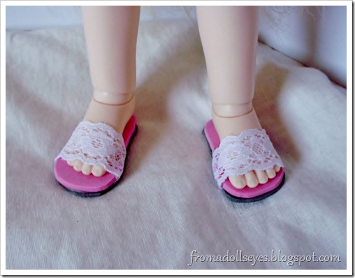 Of Bjd Fashion: Improved Lace Sandals with a Tutorial: simpler sandals for a yosd sized ball jointed doll.