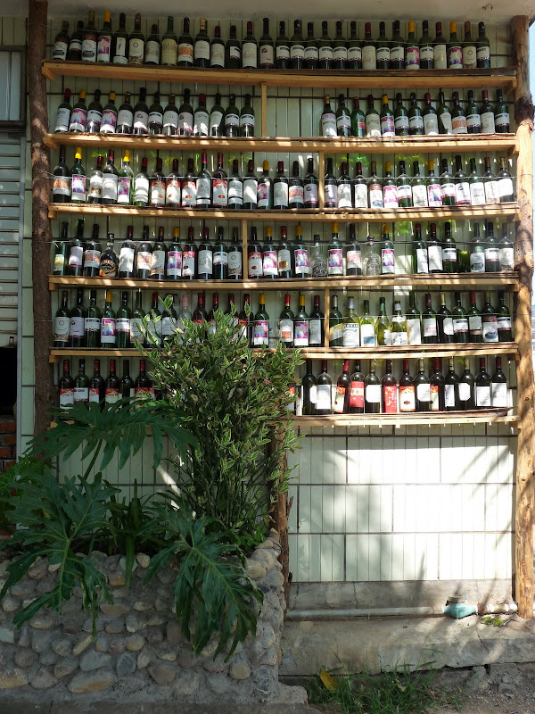 Beaucoup de bonnes bouteilles,vides...