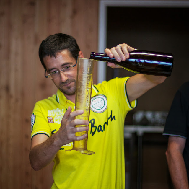 Assemblage des chardonnay milésime 2012. guimbelot.com - 2013%2B09%2B07%2BGuimbelot%2Bd%25C3%25A9gustation%2Bd%25E2%2580%2599assemblage%2Bdu%2Bchardonay%2B2012%2B137.jpg