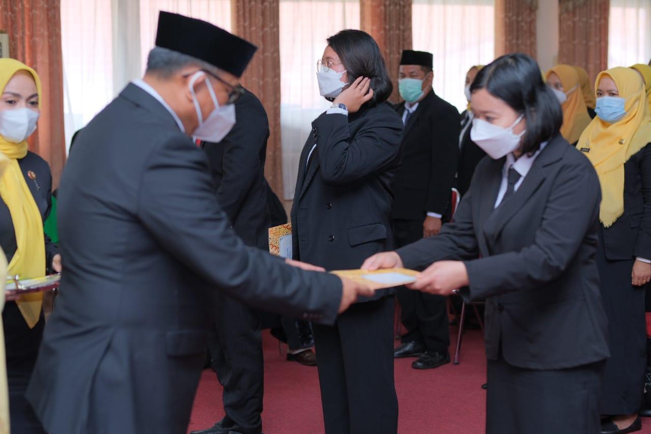 Wabup Soppeng Lantik Sejumlah Pejabat Fungsional dan Penyerahan SK PPPK