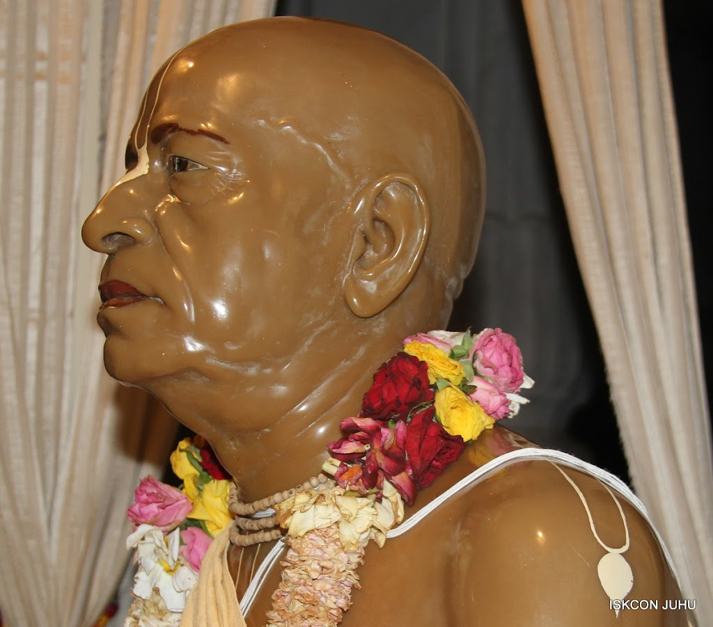 ISKCON Juhu Mangal Deity Darshan on 27 April 2016 (35)