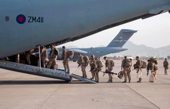 La embajada de EE.UU. en Kabul avisa de 'amenazas creíbles' en el aeropuerto