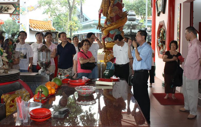 Trip - Temple and Cultural Tour 2009 - IMG_2830_web.jpg