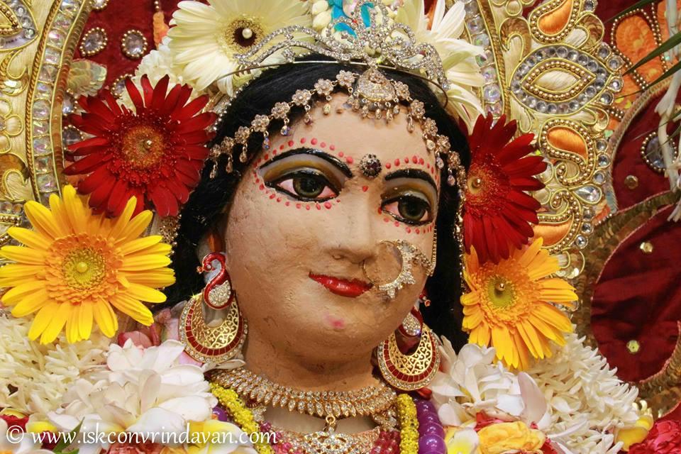 ISKCON Vrindavan Shringar Deity Darshan 29 May  2016 (4)