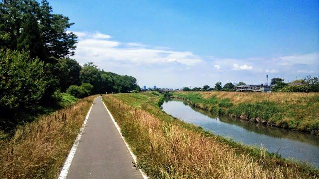 多摩湖自転車道を起点にして空堀川~柳瀬川~新河岸川を走って川越まで。川越から荒川に出て桶川で折り返して彩湖まで走り多摩湖自転車道に戻るサイクリングコース