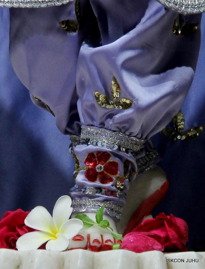 ISKCON Juhu Mangal Deity Darshan on 7th July 2016 (31)