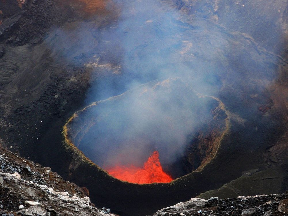 lava-lake-ambrym-1