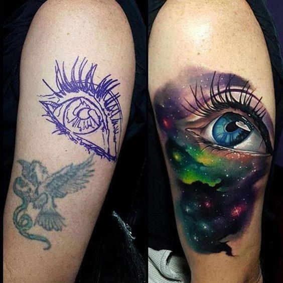 csmica_olho_braço_de_tatuagem