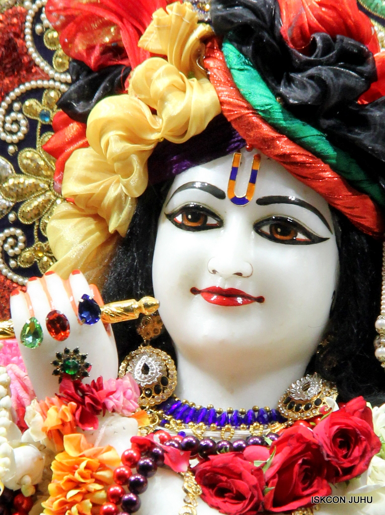 ISKCON Juhu Sringar Deity Darshan on 24th September 2016 (45)