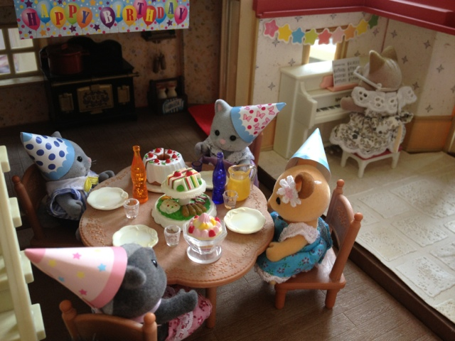 Sylvanian Families Simpkin Cats Buckley Deer Bouquet Skunks Birthday Party