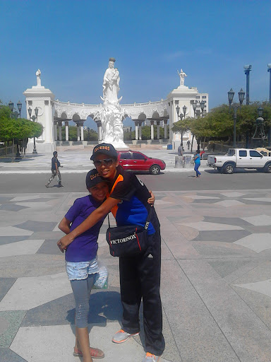 Monumento Chiquinquira Maracaibo, Venezuela - 1
