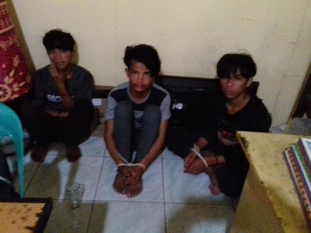 Aksi Nekad Tiga Pemuda Bongkar Rumah Saat Penghuni Berada Diladang