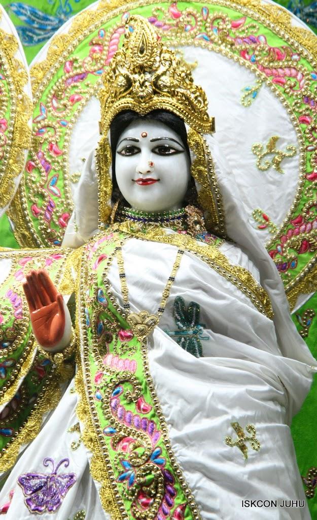 ISKCON Juhu Mangal Deity Darshan on 26th June 2016 (20)