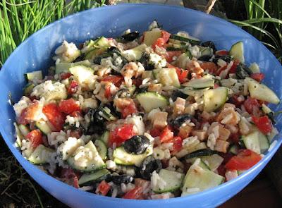 Salade grecque à la fêta - recette indexée dans la rubrique Entrées