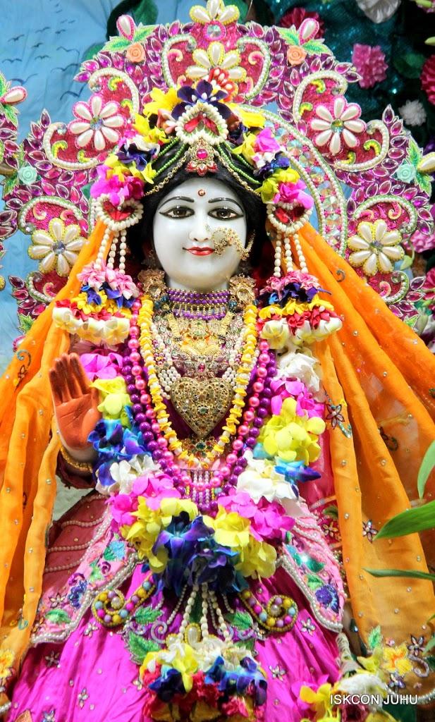 ISKCON Juhu Mangal Deity Darshan on 25th Aug16 (8)